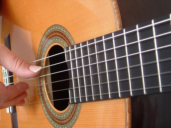 Accordare la chitarra: i migliori tool e cose da sapere per accordature al top
