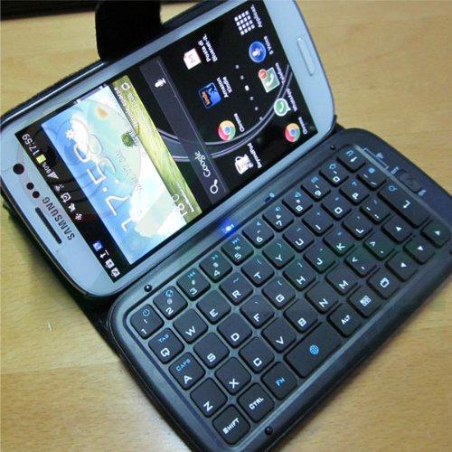 smartphone android con tastiera qwerty fisica
