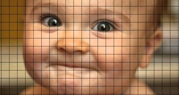 bambino con griglia