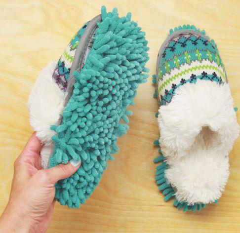 migliore online grande selezione design elegante Pantofole con panno mangiapolvere per fare le pulizie a casa ...