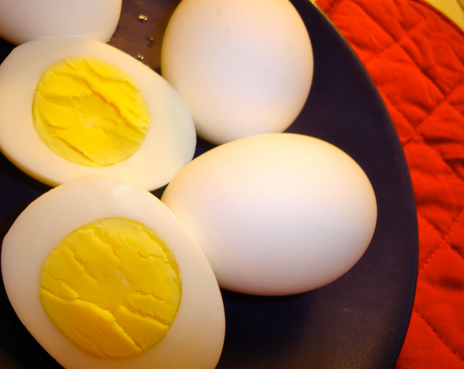 Come sgusciare un uovo sodo facilmente